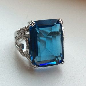 💙STUNNING Blue Topaz In 925 Sterling!💙